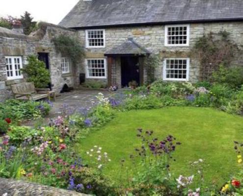 Les circonstances actuelles vous incitent non seulement à devenir propriétaire, mais surtout d'une maison avec jardin. Comment choisir le bien immobilier idéal ?
