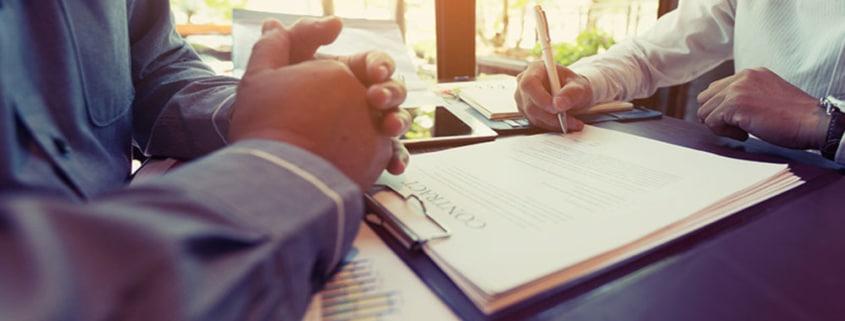 En intégrant des clauses suspensives dans un compromis de vente, cela permet au vendeur et à l'acheteur de se protéger en cas de survenue ou pas de certains événements.