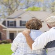 Si l'on pense qu'il est difficile d'emprunter pour acheter un bien immobilier après l'âge de 50 ans, la réalité est bien différente.