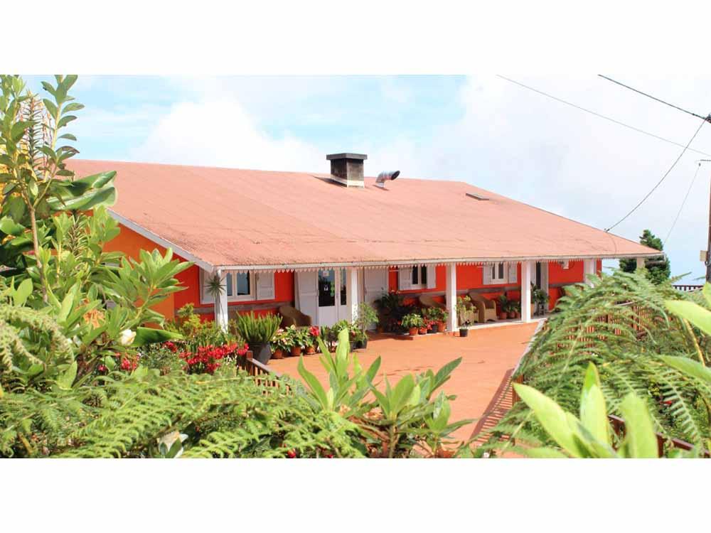 Villa F7 à vendre – Le Tévelave